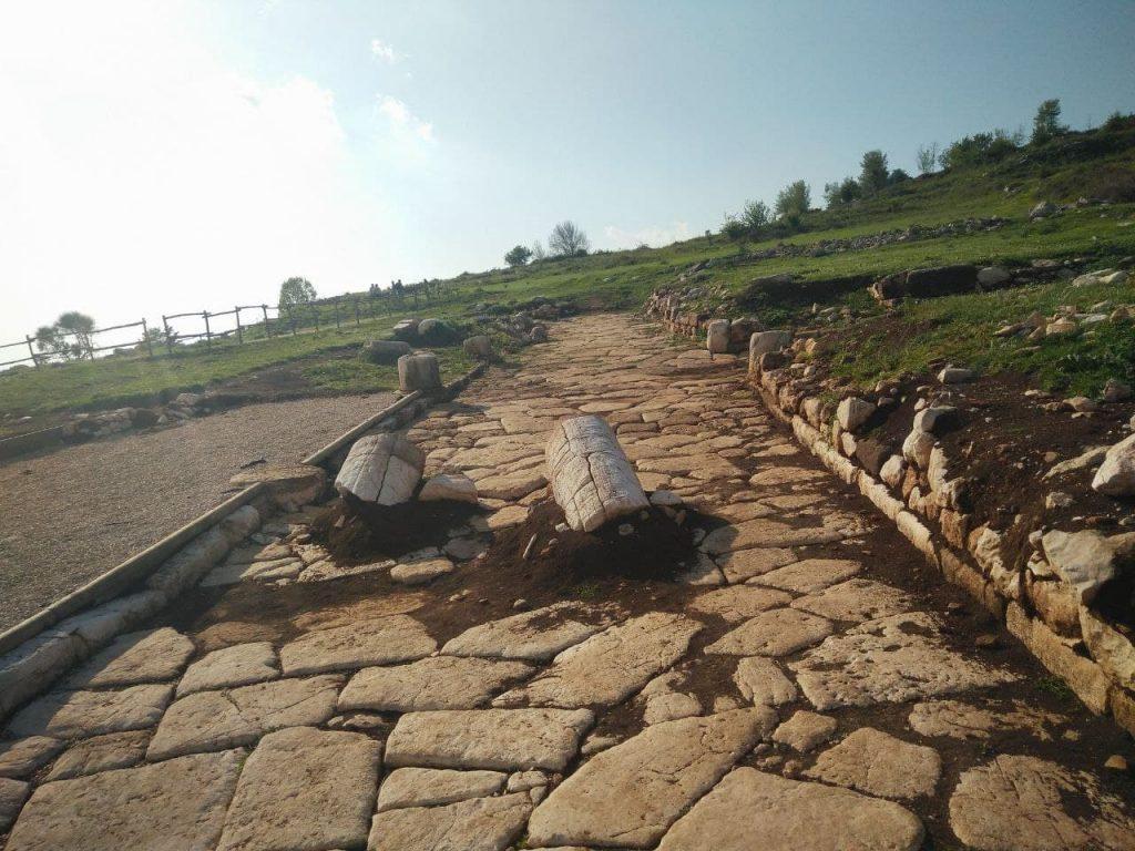 scavo archeologico dell'antica Norba a Norma in provincia di Latina