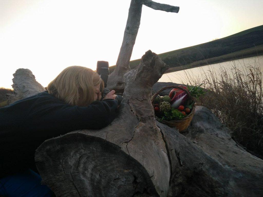 shooting fotografico con fotografa presso il lago di Giulianello a Cori