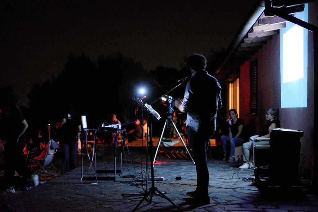 Spettacolo notturno di letteratura durante l'attività di VIsioNI alla riscorta dei casolari sconosciuti nelle campagne di Cori - serata di osservazione stellare