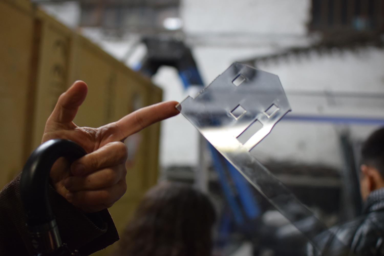 come fare buona progettazione europea - esempio di uso di laser cutter con plexiglas