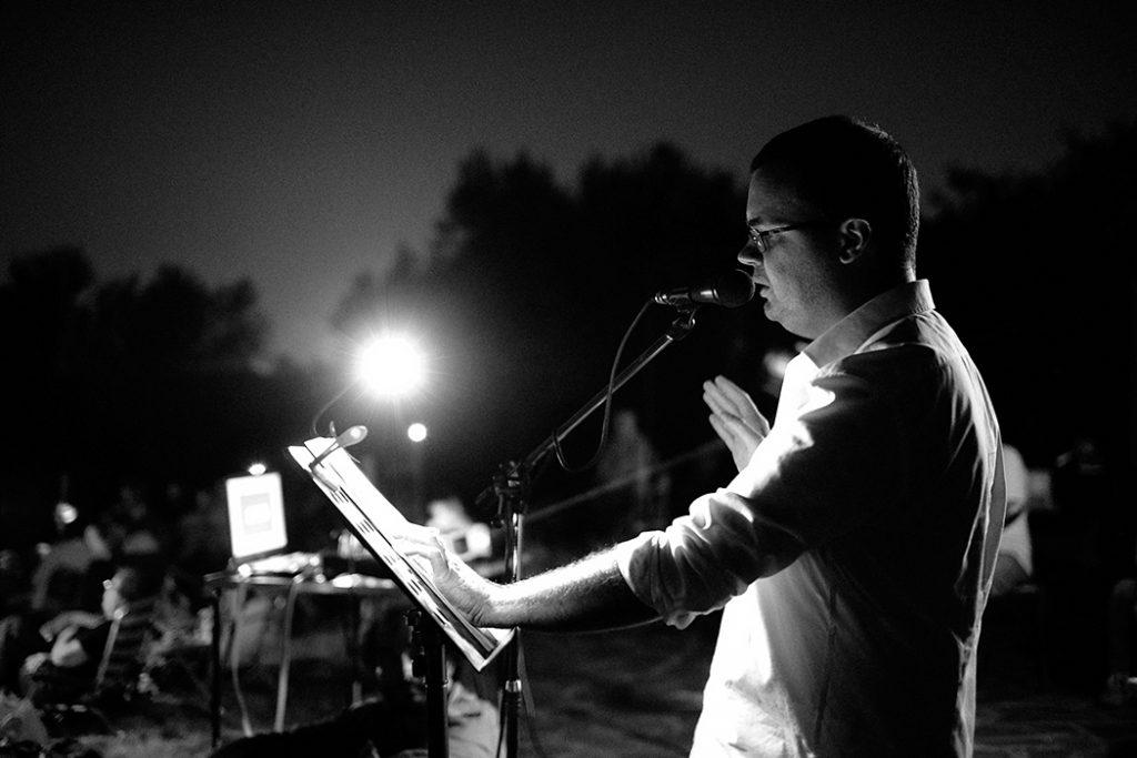Spettacolo notturno di letteratura durante l'attività di VIsioNI alla riscorta dei casolari sconosciuti nelle campagne di Cori